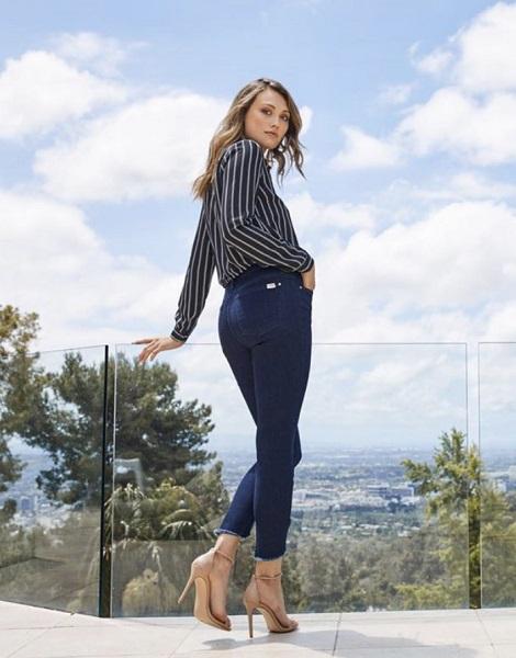 Jen 7 Jeans Image